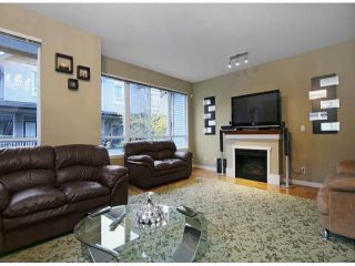 "Photo 3: 44 16789 60TH Avenue in Surrey: Cloverdale BC Townhouse for sale in ""LAREDO"" (Cloverdale)  : MLS®# F1324854"