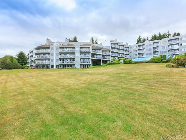 FEATURED LISTING: 510 - 2562 Departure bay Rd