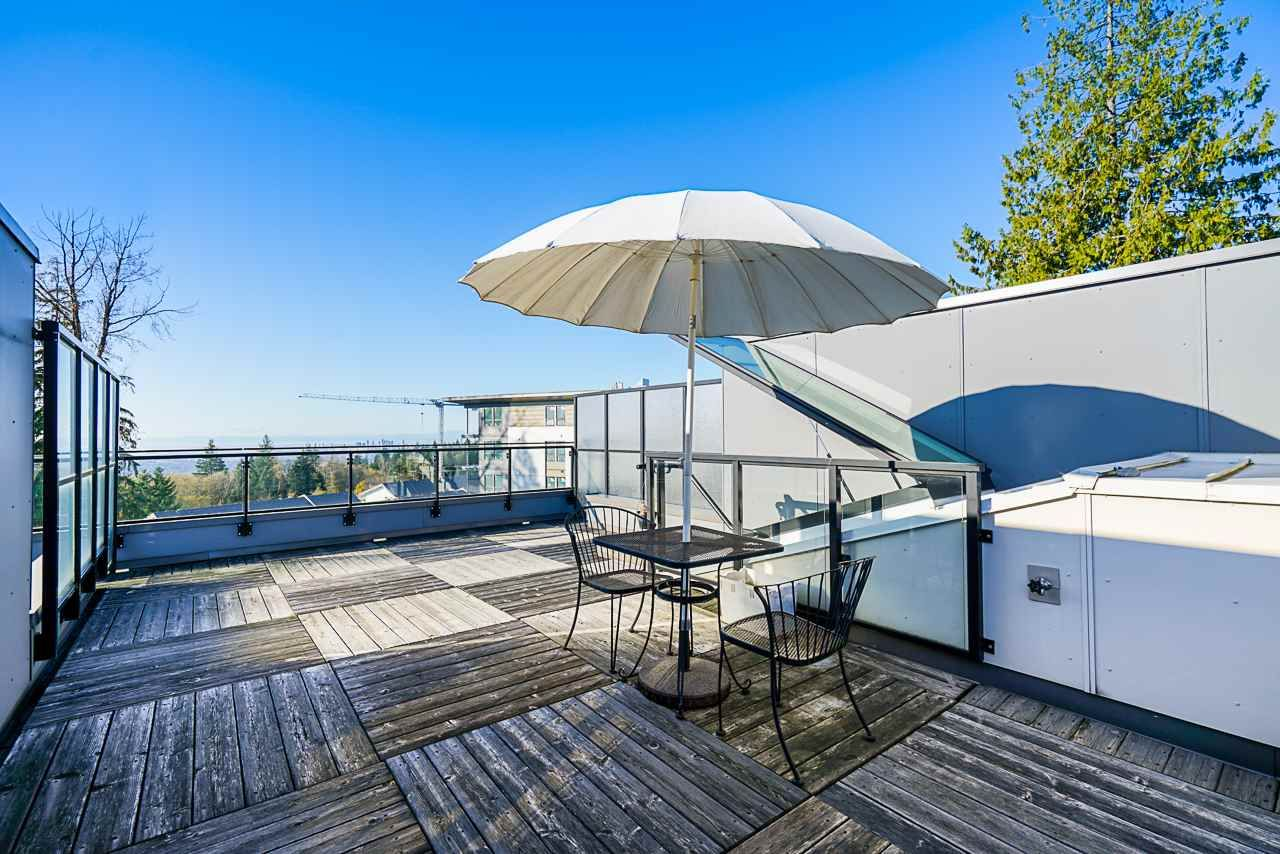 """Main Photo: 311 9350 UNIVERSITY HIGH Street in Burnaby: Simon Fraser Univer. Townhouse for sale in """"LIFT"""" (Burnaby North)  : MLS®# R2575953"""