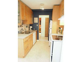"Photo 5: 106 131 W 4TH Street in North Vancouver: Lower Lonsdale Condo for sale in ""NOTTINGHAM PLACE"" : MLS®# V1069203"