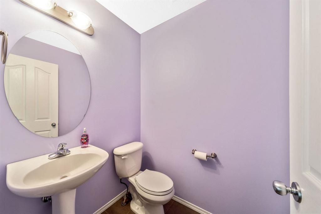 Photo 15: Photos: 53 Bridleridge Heights SW in Calgary: Bridlewood Detached for sale : MLS®# A1129360