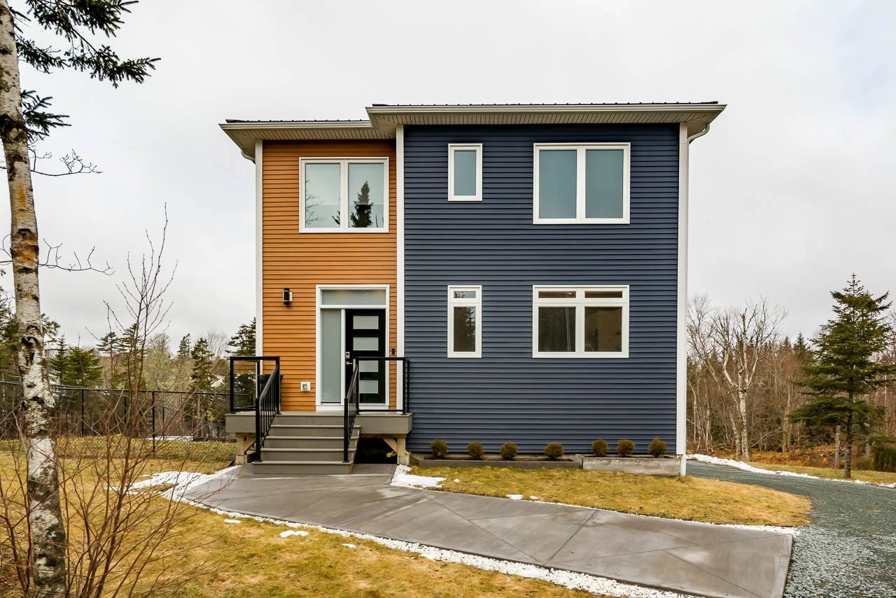 Main Photo: 326 Notting Hill Road in Mineville: 31-Lawrencetown, Lake Echo, Porters Lake Residential for sale (Halifax-Dartmouth)  : MLS®# 202102117