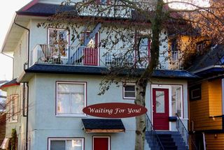 Photo 3: 1862 VENABLES Street in Vancouver: Grandview Woodland House for sale (Vancouver East)  : MLS®# R2530427