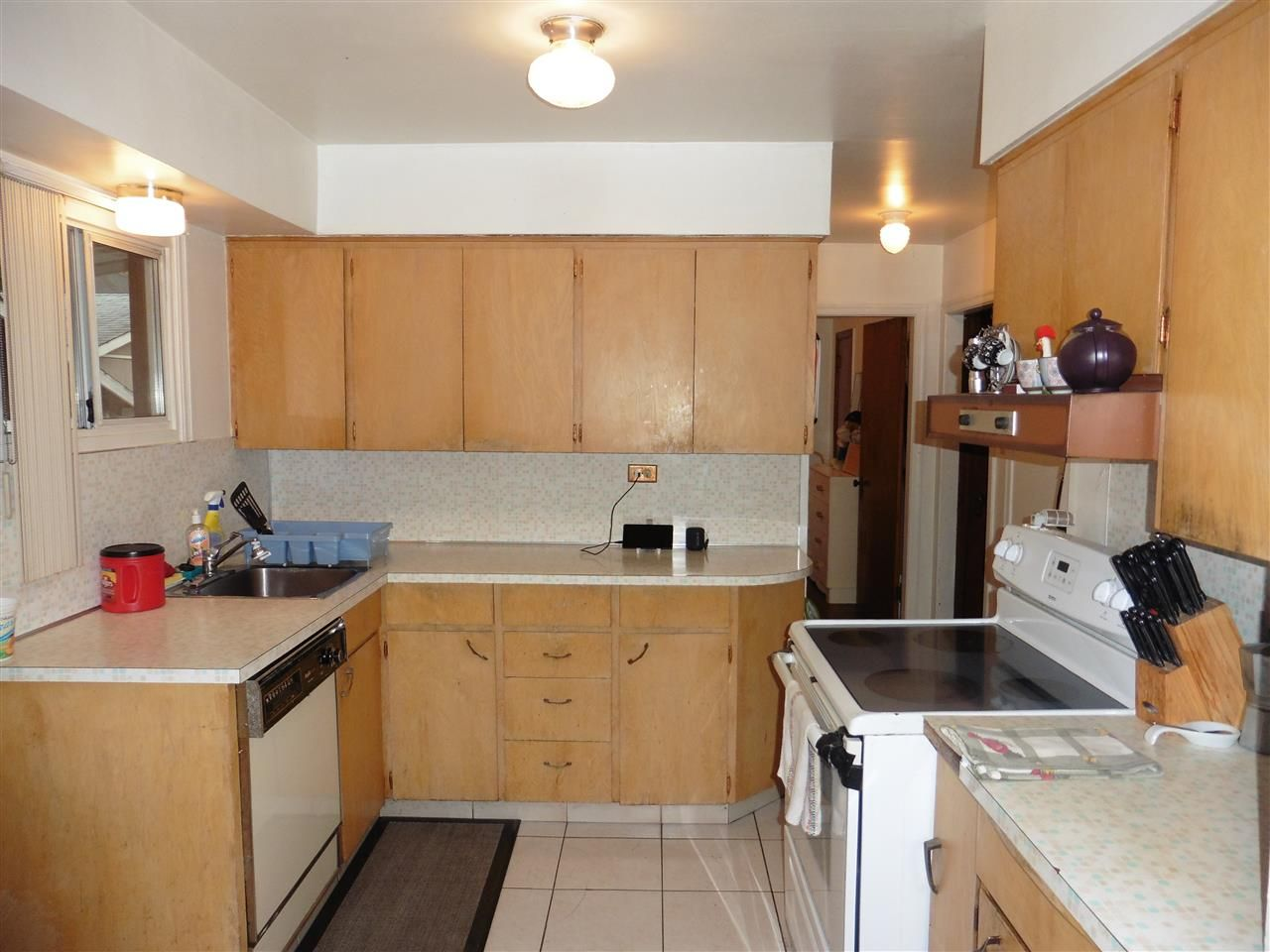Photo 6: Photos: 254 SANDRINGHAM Avenue in New Westminster: GlenBrooke North House for sale : MLS®# R2222482