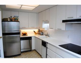 """Photo 4: 705 1355 W BROADWAY BB in Vancouver: Fairview VW Condo for sale in """"THE BROADWAY"""" (Vancouver West)  : MLS®# V761495"""
