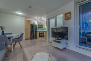 "Photo 7: 1004 1155 SEYMOUR Street in Vancouver: Downtown VW Condo for sale in ""BRAVA"" (Vancouver West)  : MLS®# R2327629"