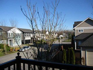 """Photo 11: 21 11060 BARNSTON VIEW Road in Pitt Meadows: South Meadows Townhouse for sale in """"COHO 1"""" : MLS®# V1035715"""