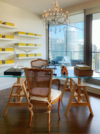 """Photo 2: 2001 1111 ALBERNI Street in Vancouver: West End VW Condo for sale in """"SHANGRI-LA"""" (Vancouver West)  : MLS®# R2565031"""