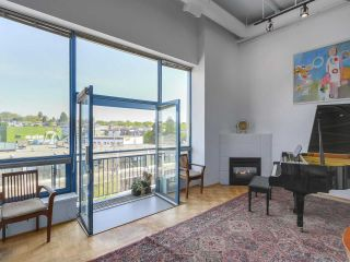 Photo 2: 415 2001 WALL Street in Vancouver: Hastings Condo for sale (Vancouver East)  : MLS®# R2268138