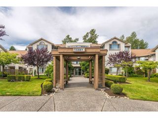 """Photo 1: 105 15991 THRIFT Avenue: White Rock Condo for sale in """"ARCADIAN"""" (South Surrey White Rock)  : MLS®# R2441323"""