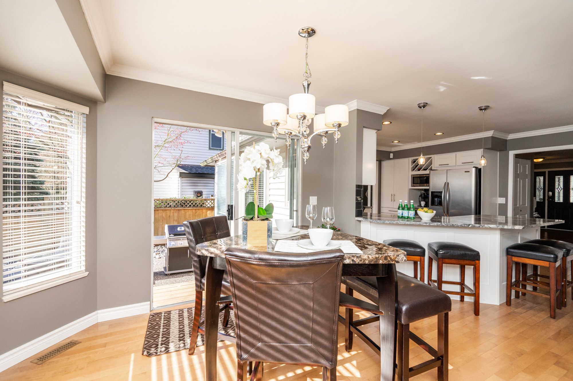 """Photo 9: Photos: 8448 213 Street in Langley: Walnut Grove House for sale in """"Forest Hills"""" : MLS®# R2259409"""