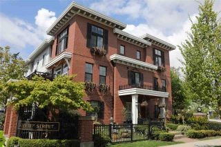"Photo 3: 1 3399 151 Street in Surrey: Morgan Creek Townhouse for sale in ""LAUREATES WALK"" (South Surrey White Rock)  : MLS®# R2571286"