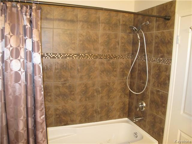 Photo 16: Photos:  in Winnipeg: Transcona Residential for sale (North East Winnipeg)  : MLS®# 1605661