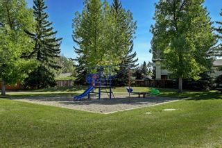 Photo 18: 131 Woodridge Place SW in Calgary: Woodlands Detached for sale : MLS®# A1142990