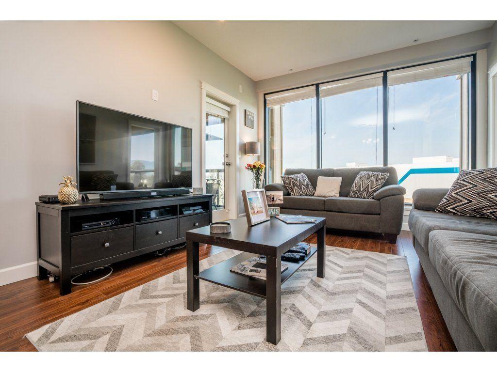 "Photo 4: Photos: 314 12635 190A Street in Pitt Meadows: Mid Meadows Condo for sale in ""CEDAR DOWNS"" : MLS®# R2189305"