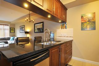 """Photo 10: 252 8328 207A Street in Langley: Willoughby Heights Condo for sale in """"YORKSON CREEK"""" : MLS®# R2159516"""