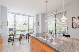 """Photo 8: 204 1580 MARTIN Street in Surrey: White Rock Condo for sale in """"Sussex House"""" (South Surrey White Rock)  : MLS®# R2357775"""