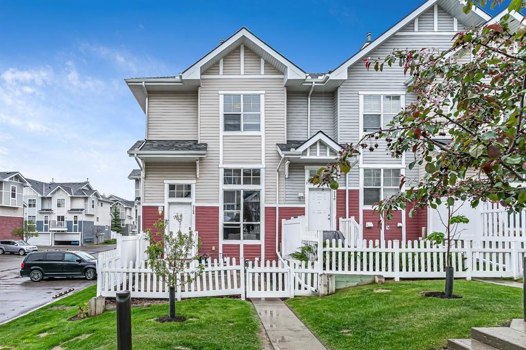 Main Photo: 3168 New Brighton Gardens SE in Calgary: New Brighton Row/Townhouse for sale : MLS®# A1118904