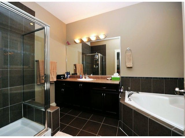 Photo 13: Photos: 8596 FAIRBANKS ST in Mission: Mission BC House for sale : MLS®# F1318181