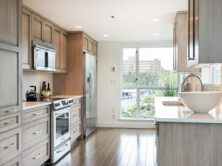 """Photo 11: 407 1551 MARINER Walk in Vancouver: False Creek Condo for sale in """"LAGOONS"""" (Vancouver West)  : MLS®# R2383720"""