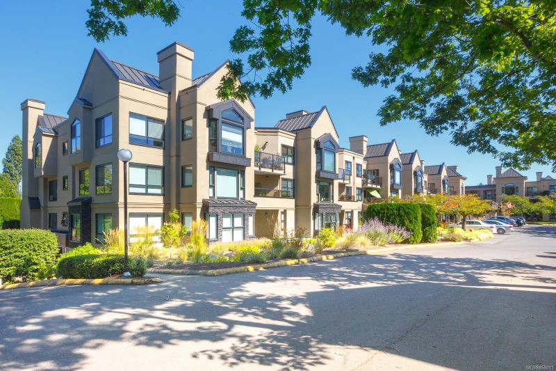 FEATURED LISTING: 311 - 3969 Shelbourne St