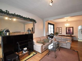 Photo 3: 2764 W 12TH Avenue in Vancouver: Kitsilano House for sale (Vancouver West)  : MLS®# R2042125