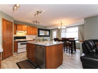 Photo 3: 9177 21 Street SE in Calgary: Riverbend House for sale : MLS®# C4096367