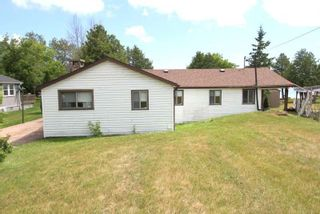 Photo 5: 217 Mcguire Beach Road in Kawartha Lakes: Rural Eldon House (Bungalow) for sale : MLS®# X5309905