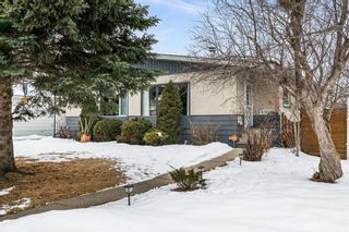 Photo 2: 2721 17 Street NW in Calgary: Capitol Hill Semi Detached for sale : MLS®# A1072987