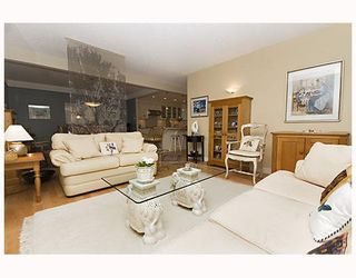 """Photo 3: 203 1470 PENNYFARTHING Drive in Vancouver: False Creek Condo for sale in """"HARBOUR COVE"""" (Vancouver West)  : MLS®# V686677"""