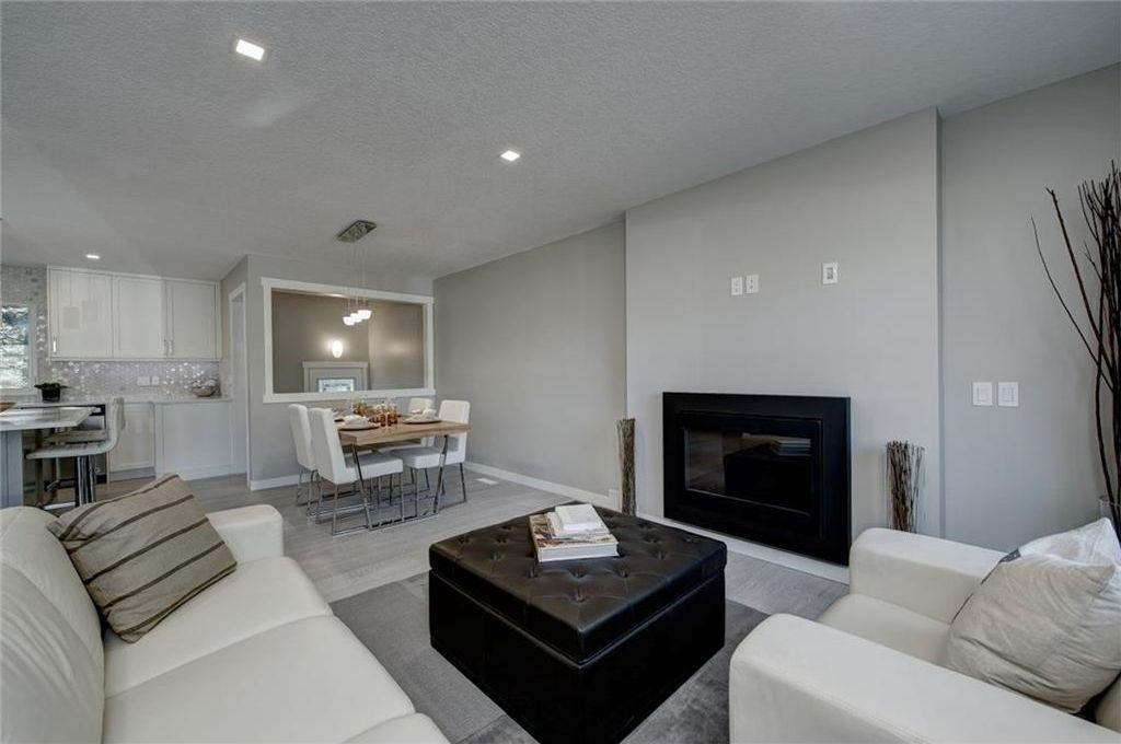 Photo 11: Photos: 210 OAKMOOR Place SW in Calgary: Oakridge House for sale : MLS®# C4111441