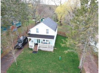 Photo 2: 36 Hillside Avenue in Wolfville: 404-Kings County Residential for sale (Annapolis Valley)  : MLS®# 202110596