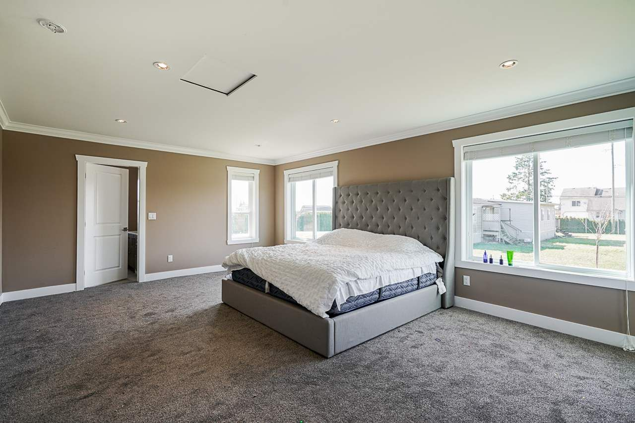 Photo 12: Photos: 1458 GLADWIN Road in Abbotsford: Poplar House for sale : MLS®# R2547303
