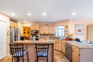 Photo 10: 2917 DELAHAYE Drive in Coquitlam: Canyon Springs House for sale : MLS®# R2559016