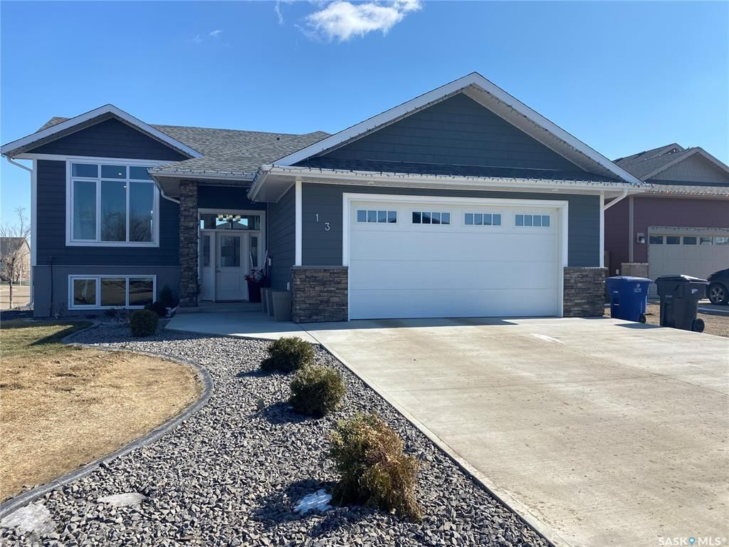 Main Photo: 13 Macdonnell Court in Battleford: Telegraph Heights Residential for sale : MLS®# SK851470