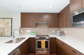 "Photo 6: 1905 125 COLUMBIA Street in New Westminster: Downtown NW Condo for sale in ""NORTHBANK"" : MLS®# R2255130"
