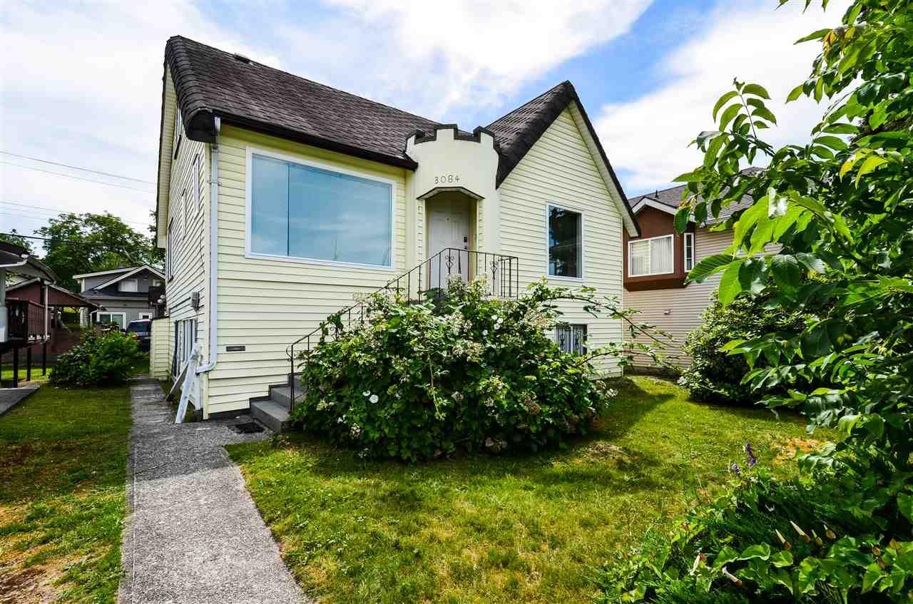 Main Photo: 3084 GRANDVIEW HIGHWAY in : Renfrew Heights House for sale : MLS®# R2381715