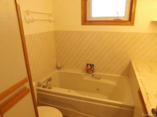 Photo 11: 72 Woodlands Crescent in WINNIPEG: Westwood / Crestview Residential for sale (West Winnipeg)  : MLS®# 1400162