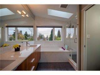 Photo 8: 1040 GRAND BV in North Vancouver: Boulevard House for sale : MLS®# V1067780