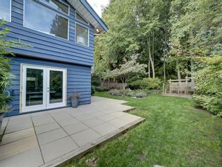 Photo 8: 736 CREEKSIDE Crescent in Gibsons: Gibsons & Area House for sale (Sunshine Coast)  : MLS®# R2624536