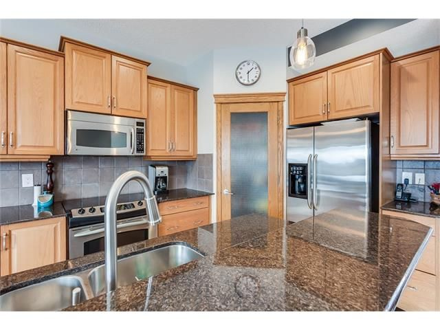Photo 10: Photos: 46 PRESTWICK Parade SE in Calgary: McKenzie Towne House for sale : MLS®# C4103009