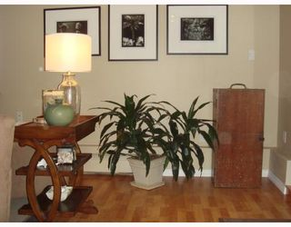 Photo 3: 314 250 W 1ST Street in North_Vancouver: Lower Lonsdale Condo for sale (North Vancouver)  : MLS®# V667563