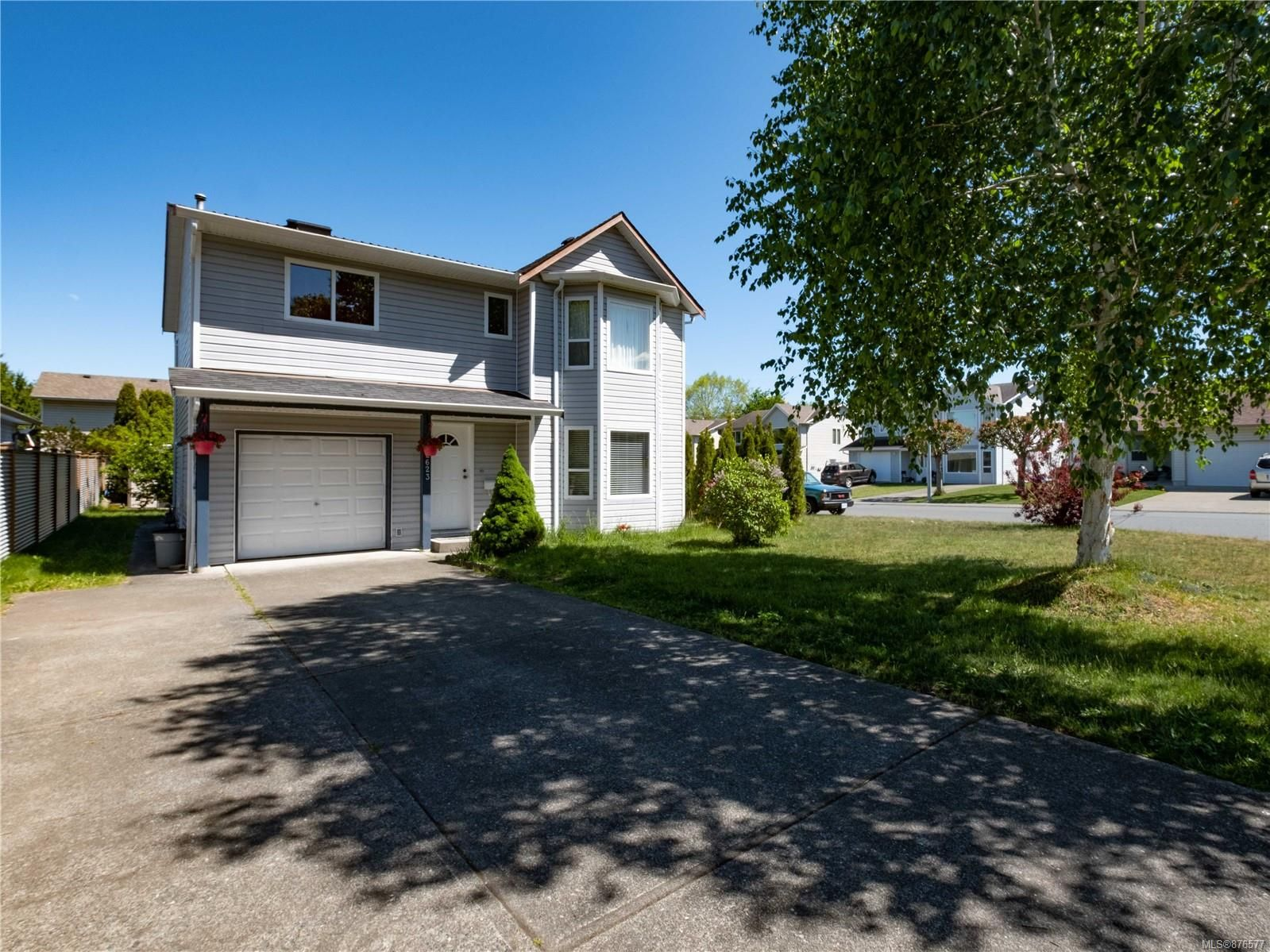 Main Photo: 2623 Cook Rd in : CR Willow Point House for sale (Campbell River)  : MLS®# 876577