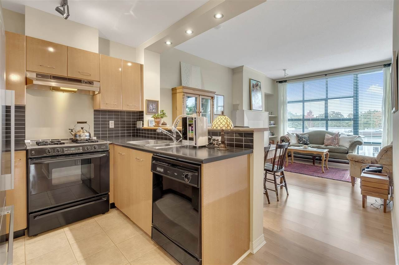 "Main Photo: 509 2268 REDBUD Lane in Vancouver: Kitsilano Condo for sale in ""Ansonia"" (Vancouver West)  : MLS®# R2510352"