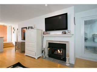 """Photo 3: 407 2181 W 12TH Avenue in Vancouver: Kitsilano Condo for sale in """"THE CARLINGS"""" (Vancouver West)  : MLS®# V987441"""