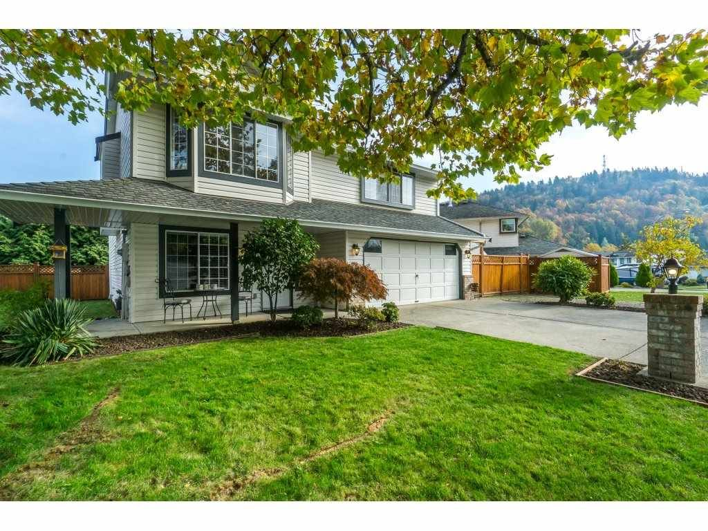 Main Photo: 3054 CASSIAR Avenue in Abbotsford: Abbotsford East House for sale : MLS®# R2318969
