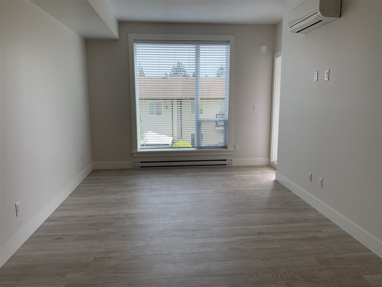 """Photo 4: Photos: 206 2555 WARE Street in Abbotsford: Central Abbotsford Condo for sale in """"MILL DISTRICT"""" : MLS®# R2502197"""