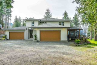 Photo 1: 41779 MAJUBA HILL Road in Yarrow: Majuba Hill House for sale : MLS®# R2562034