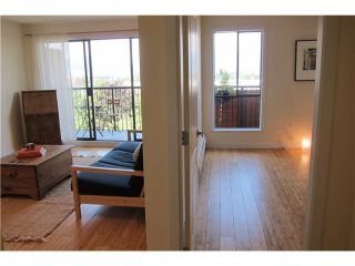 """Photo 4: 306 2142 CAROLINA Street in Vancouver: Mount Pleasant VE Condo for sale in """"WOOD DALE - MT PLEASANT"""" (Vancouver East)  : MLS®# V972400"""