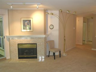 """Photo 13: 109 19142 122 Avenue in Pitt Meadows: Central Meadows Condo for sale in """"PARKWOOD MANOR"""" : MLS®# R2112604"""